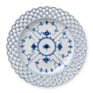 Blue Fluted Full Lace bord met opengewerkte rand 2 25 cm.