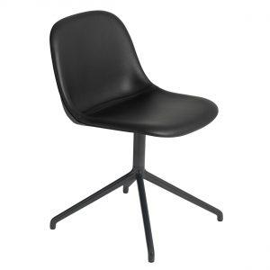 Muuto Fiber Side Swivel gestoffeerde stoel Prescott Leather black