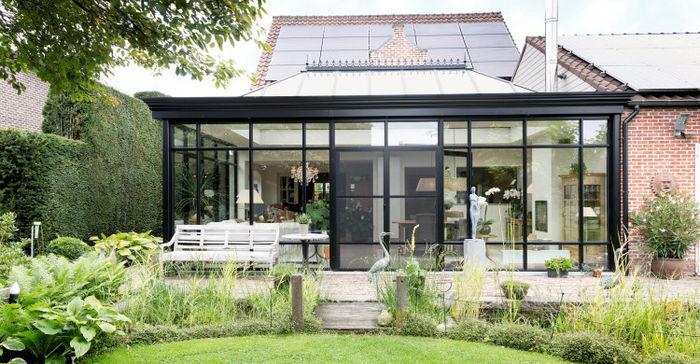 Mooie metalen veranda