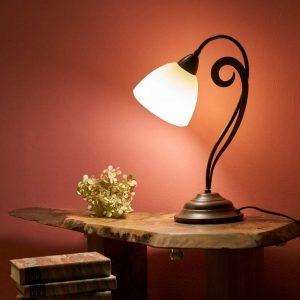 Luca - fraai gevormde tafellamp in landhuisstijl