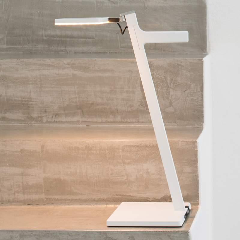 Nimbus Roxxane Leggera LED tafellamp, wit