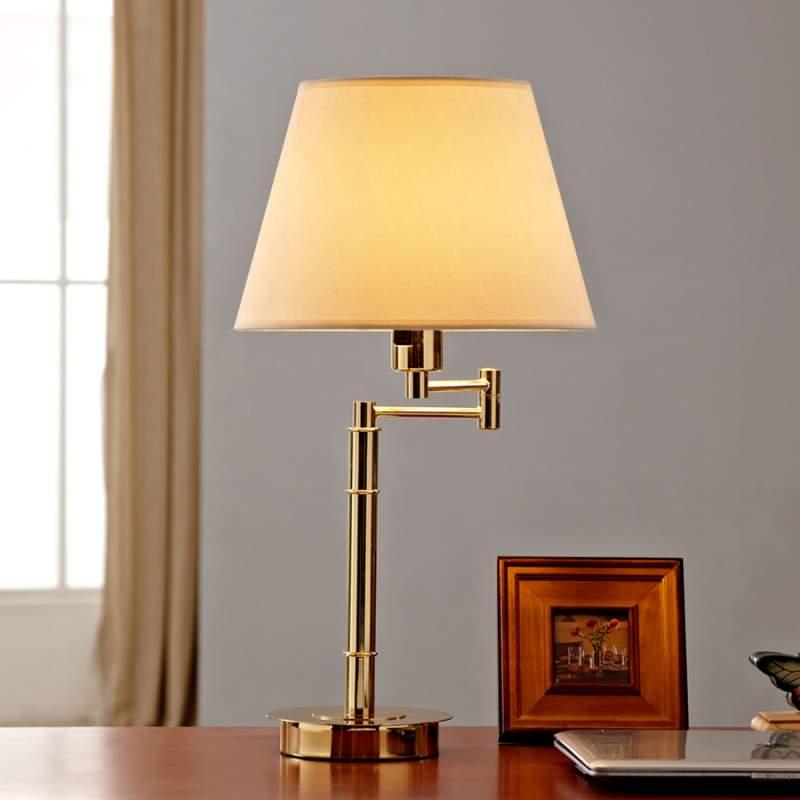 Klassiek aandoende tafellamp Pola