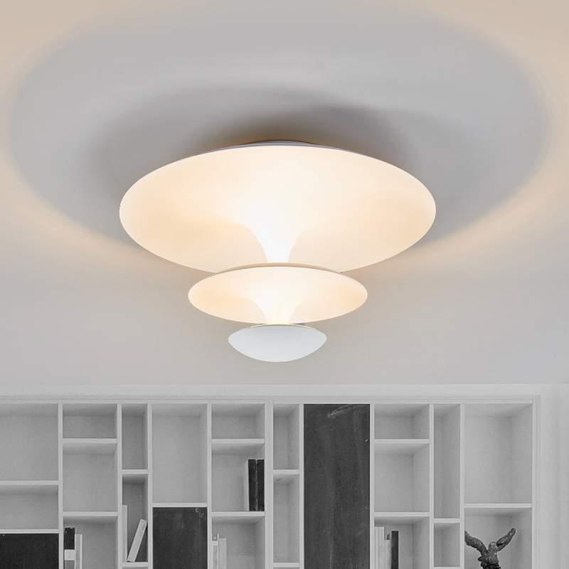 Witte LED plafondlamp Riley, elegante look