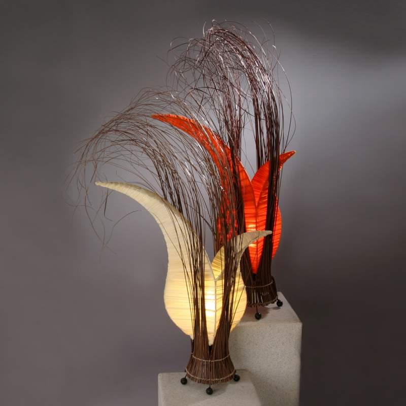 BUNGA tafellamp in bloemvorm, creme