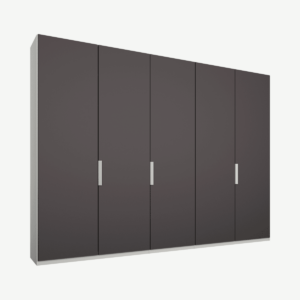 Caren vijfdeurs kledingkast met handvatten, 250 cm, wit frame, mat grafietgrijze deuren, premium interieur
