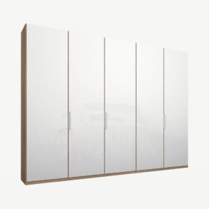 Caren vijfdeurs kledingkast met handvatten, 250 cm, eiken frame, witte glazen deuren, klassiek interieur