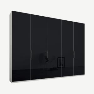 Caren vijfdeurs kledingkast met handvatten, 250 cm, wit frame, basaltgrijze glazen deuren, klassiek interieur