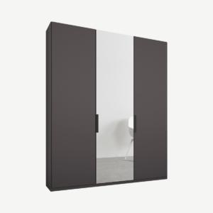 Caren driedeurs kledingkast met handvatten, 150 cm, grafietgrijs frame, mat grafietgrijs en spiegeldeuren, klassiek interieur