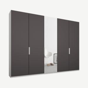 Caren vijfdeurs kledingkast met handvatten, 250 cm, wit frame, mat grafietgrijs en spiegeldeuren, klassiek interieur