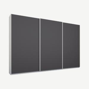 Malix driedeurs kledingkast met schuifdeuren, 270 cm, wit frame, mat grafietgrijze deuren, klassiek interieur