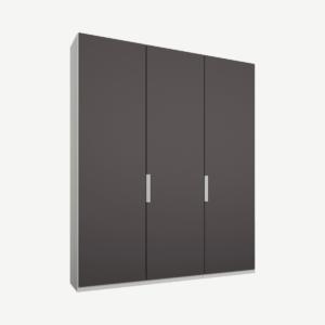 Caren driedeurs kledingkast met handvatten, 150 cm, wit frame, mat grafietgrijze deuren, klassiek interieur